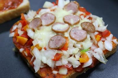 tost ekmeği pizzası