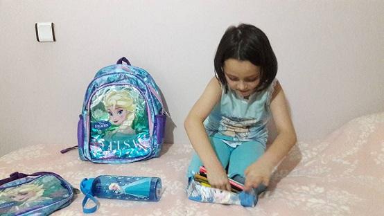 elsa okul çantası