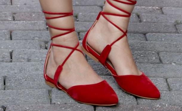 bilekten ipli yazlık ayakkabı, kırmızı yazlık ayakkabı
