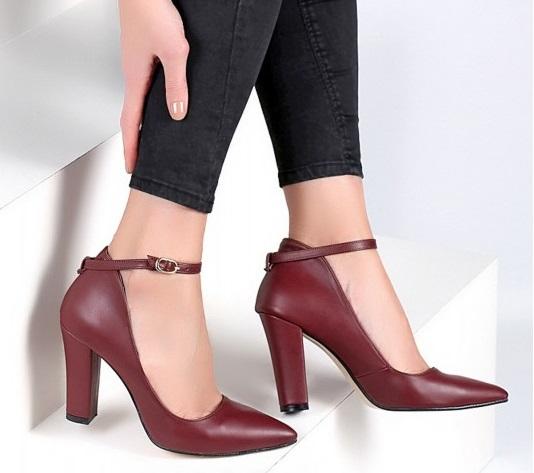 bordo ucu kapalı topuklu ayakkabı