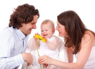 bebek ve aile