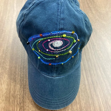 uzay işlemeli şapka