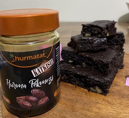hurma pekmezi ile fit brownie